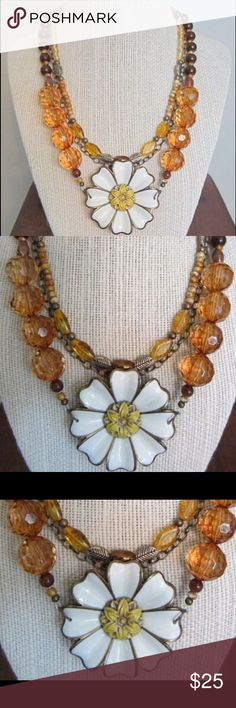 Handmade Boutique-Style Necklace: Sunflower Handmade Boutique-Style Necklace: Sunflower pendant with glass and synthetic beads. Bronze detailing. Jewelry Necklaces