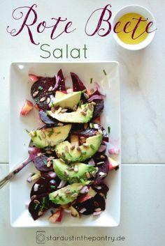 Gratis Rezeptkarte zum runterladen auf dem Blog! Vitalisierender rote Beete Salat mit Apfel und Avocado!
