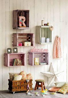 Ideas decorativas con cajas de frutas. Fotos e inspiración para decorar la habitación de los niños con cajas. Estanterías, jugueteros, organizadores, etc..