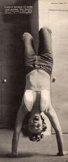 Marilyn Monroe keeping fit: Vintage photo of the Hollywood actress / sex symbol …. Marylin Monroe, Marilyn Monroe Photos, Brigitte Bardot, Jorge Guzman, Divas, Philippe Halsman, Norma Jeane, Steve Mcqueen, Sensual