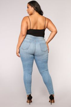 Sleek And Slay Bodysuit - Black – Fashion Nova Thick Girl Fashion, Curvy Women Fashion, Plus Size Fashion, Sexy Jeans, Outfit Strand, Pernas Sexy, Modelos Plus Size, Curvy Outfits, Black Bodysuit
