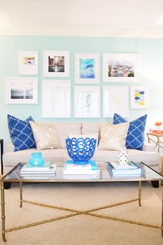 Pencil Shavings Studio and Minted have partnered up to give away a $200 giftcard to create your very own gallery wall. www.pencilshavingsstudio.com