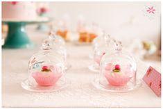 Little bird and the spring garden || Party styling by Era uma vez... o sonho perfeito || Cake design by Candy Colors || Photo credits: Ana Camacho fotografia Read more: http://eraumavez-osonhoperfeito.blogspot.pt/2015/03/as-flores-de-um-lindo-jardim.html