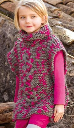 knitting pattern for chunky hooded poncho - PIPicStats Baby Knitting Patterns, Knitting For Kids, Loom Knitting, Crochet For Kids, Free Knitting, Crochet Patterns, Tricot Simple, Laine Katia, Crochet Poncho