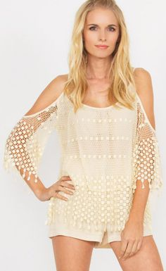 WE THE FREE TOP – A beautiful cream crochet top with shoulder cutouts. Partially lined.