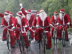 """Na antevéspera do Natal, dia 23, o grupo de ciclismo PedAlegre promove o evento """"Brilhabike""""."""