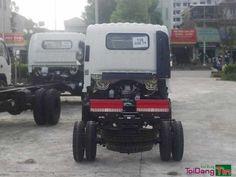 Xe tải veam 1 tấn VT100 hay còn gọi là xe tải veam 990kg là dòng xe tải nhẹ chất lượng cao với dây chuyền lắp ráp của Hyundai Kia Hàn Quốc được chuyển giao cho Nhà Máy Ô Tô Veam. Xe tải veam 990kg là dòng xe tải nhẹ được Veam và Hyundai, Kia Hàn quốc liên doanh. xe tải veam 990kg là sự kết hợp tinh tế của công nghệ Hyundai Hàn Quốc và phong cách hiện đại Việt Nam. Xe tải veam 990kg với mẫu mã đẹp vượt trội, tiết kiệm nhiên liệu, giá thành hợp lý - mau thu hồi vốn cho nhà đầu tư, với kết cấu…