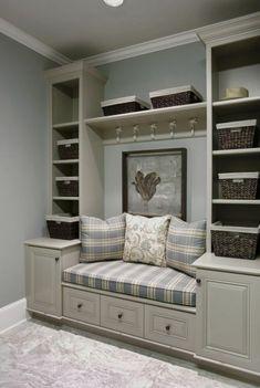Begehbare Kleiderschraenke Couch Kasten Regale Grau Braun