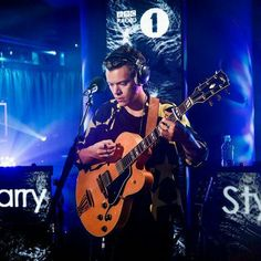 """Harry performing on BBC Radio 1 Live Lounge today (Sep via (IG) Bbc Live, One Direction Singers, Niall And Harry, Harry Harry, Holmes Chapel, Bbc Radio 1, Harry Styles Pictures, Family Show, Fleetwood Mac"
