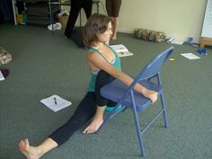 Ways to practice twists using a chair - Here Now Yoga: Twisted Connection. Love this variation of the twist! #fb Gaileee