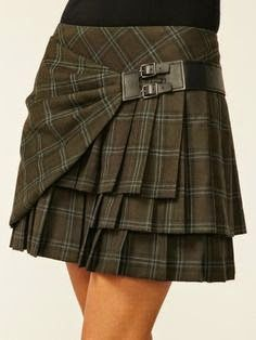 Rhonda's Creative Life: Monday Morning Inspiration - a cute take on a kilt