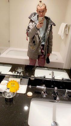 Hot Maci 🔥 Dream Boyfriend, Cute Twins, Black Wallpaper Iphone, Cute Celebrities, Horse Art, Hot Guys, Hot Men, Ariana Grande, Singer