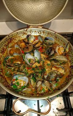 Nadire Atas on Shellfish Dishes From Around The World Recipe: Cataplana (Portuguese clams & pork) - Flavour Seeker Clam Recipes, Fish Recipes, Seafood Recipes, Great Recipes, Cooking Recipes, Asian Recipes, Mussel Recipes, Recipies, Fish Dishes
