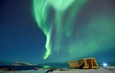 Nordlichter über dem Hasselnes Shelter, Vogelbeobachtung in Norwegen, Biotope Architekten