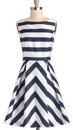 Love the horizontal stripes mixed with chevron http://rstyle.me/n/efgiinyg6