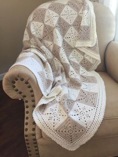 Crochet Blanket Pattern - Arielle's Square - Crochet Baby Blanket Pattern - Easy Granny Square Pattern - Throw Afghan - Crochet Patterns by DeborahOLearyPattern on Etsy https://www.etsy.com/listing/481382549/crochet-blanket-pattern-arielles-square