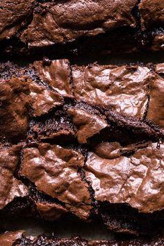 Crinkle Top Fudge Brownies - Another! Fudge Brownies, Beste Brownies, Nutella Brownies, Blondie Brownies, Homemade Brownies, Boxed Brownies, Brownies From Scratch, Healthy Brownies, Caramel Brownies