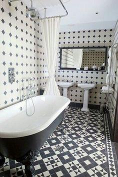 Sol en carreaux de ciment dans salle de bain