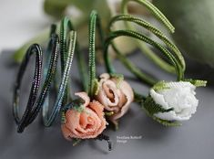 Instructions for making meager bracelets with a rose bud. Designed for beginners in beadwork. 24 pages. PDF Photo scheme description tips for beginners Materiallist for burgundy and green colors Beading Techniques, Beading Tutorials, French Beaded Flowers, Peyote Beading, Beadwork, Couture Embroidery, Red Poppies, Yellow Roses, Tea Roses