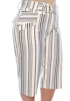 Calça Pantacourt Plus Size Miracy Peplum Plus Size, Short Kaki, Fashion Pants, Fashion Dresses, African Print Jumpsuit, Over 60 Fashion, African Print Fashion, Pants For Women, Trends