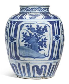 A large blue and white jar, Ming dynasty, Wanli period (1573-1619) Chinese Blue And White Porcelain Art, Ideas Nature , HomeMore Pins Like This At FOSTERGINGER @ Pinterest