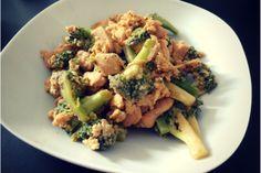 gebratene Hühnchen-Brokkoli-Pfanne