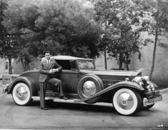Clark Gable / 1932 Packard v-12