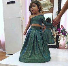 Fav Little princess Baby Girl Frocks, Frocks For Girls, Dresses Kids Girl, Kids Outfits, Kids Frocks Design, Baby Frocks Designs, Kids Dress Wear, Kids Gown, Kids Ethnic Wear