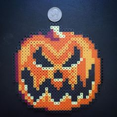 Jack-o-Lantern - Halloween perler beads by sweetandtwixkreations