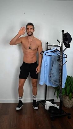 Mens Casual Dress Outfits, Casual Shirts, Natural Man, Beautiful Men Faces, Men Style Tips, Haircuts For Men, Sexy Men, How To Look Better, Menswear