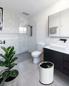 44 creative tiny house bathroom remodel ideas to make it look larger 27 - Großes Bad - Bathroom Decor Ensuite Bathrooms, Tiny House Bathroom, Laundry In Bathroom, Bathroom Renovations, Home Remodeling, Master Bathroom, Bathroom Showers, Bathroom Black, Small Bathroom With Bath