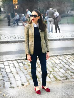 fall fashion / fall outfit ideas / preppy outfits / blazers / tweed / houndstooth / layers / fall layers / jcrew / big sunglasses / Robert Marc / prep style / New York fashion / smythe / mgemi / red shoes / suede shoes / tassel shoes / pointy flats / houndstooth jacket / Central Park / layered look