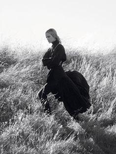 Elise Agee photographiée par David Sims pour Vogue Paris septembre 2016