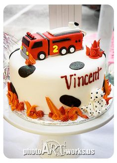 Simple Fire Truck Cake | Shared by LION