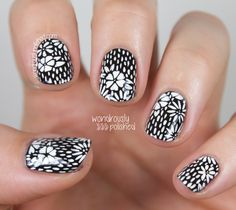 The Beauty Buffs - Black and White Trend: Wood-blocking Floral #nailart #nails #mani