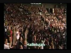 Awesome to see so many worshiping & praising together!!!  Hallelujah!!! Youth Congress 07