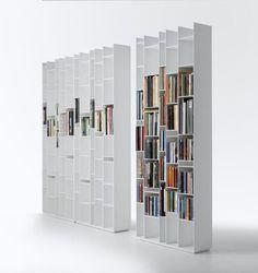 Knihovnu Jako Dělicí Příčku Si Můžete Nechat Vyrobit Na Míru, Ale Seženete  Ji I Jako · BookcaseAleItaly