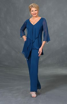 Check out the deal on Ursula 43310 Plus Size Mothers Pant Suit at French Novelty Best Prom Dresses, Mob Dresses, Modest Dresses, Fashion Dresses, Bride Dresses, Ankara Fashion, Short Dresses, Mother Of The Bride Suits, Mother Of Bride Outfits