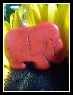 Ciondolo Elefantino in pietra dura rossa - egonovo.jimdo.com