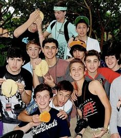 Find images and videos about boys, shawn mendes and magcon on We Heart It - the app to get lost in what you love. Cameron Alexander Dallas, Cameron Dallas, Hayes Grier, Nash Grier, Macon Boys, Brandon Rowland, Boy Squad, Magcon Family, Aaron Carpenter