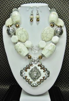 DOVE - WHITE CHUNKY GEMSTONE Necklace Set / Western Wedding / Cowgirl Necklace / Concho Necklace / Bridal Necklace / Chunky Western Bridal - See more at: http://www.buckaroobay.com/catalog.php?item=7891#sthash.ftj9R2u7.dpuf