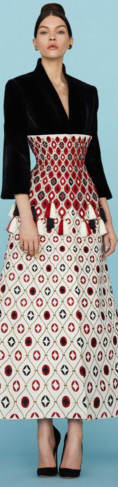 Farb-und Stilberatung mit www.farben-reich.com - Ulyana Sergeenko.Spring 2015 Couture.