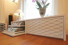 Res Grünenwald Produziert In Seiner Möbelmanufaktur Designmöbel, Plant  Küchen, Badezimmer Und Individuellen Ausbau Nach Mass.