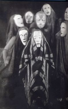 Another scene fromMary Wigman'sTotentanz, c.1926  fromdansepassion