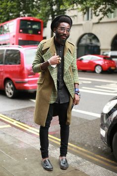 Buy the look: lookastic.de / … – Black hat – Dark gray shirt – Olive coat – Black skinny jeans – Dark gray leather slippers with tassels Source by Mode Masculine, Fashion Moda, Mens Fashion, Streetwear, Mode Shoes, Look Street Style, Look Man, Herren Outfit, Men Street