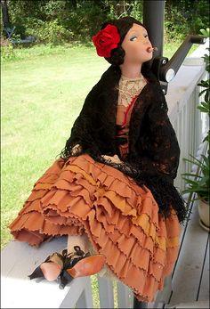 Французская курящая кукла