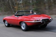 Jaguar E-Type rear tracking