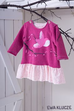 EWA KLUCZE, kolekcja BIRD, sukienka z dresówki bordowa, jesień-zima 2018, ubranka dla dzieci, EWA KLUCZE, BIRD collection, baby girl pink dress, baby clothes