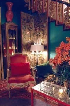 Use of jewel tones and dim lighting creates quite the ambience!