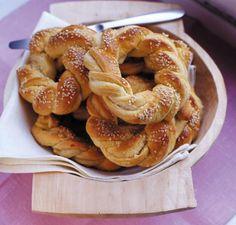 Rezept: Hefekränzchen mit Anis und Marzipan